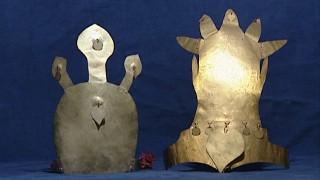 鍍金冠と鍍銀冠(複製・永平寺町四季の森文化館展示)