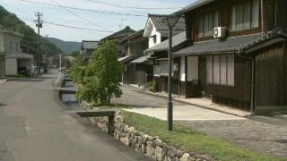 疋田集落を流れる舟川