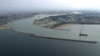 今も現役の三国港突堤
