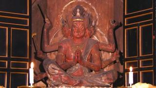中山寺の馬頭観音菩薩坐像